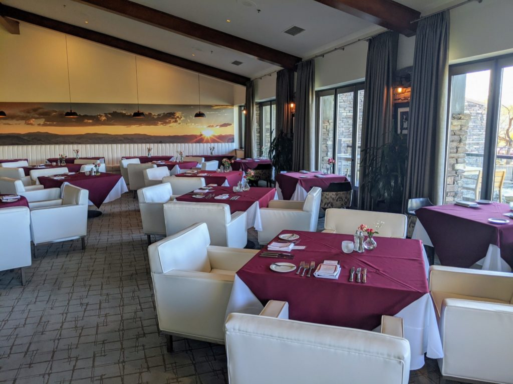 Montrose Restaurant at ONYX Bar at Dragon Ridge Country Club